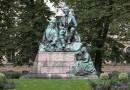 Elias Lönnrotin muistopatsas Helsingissä